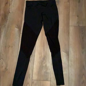 Onzie black mesh leggings